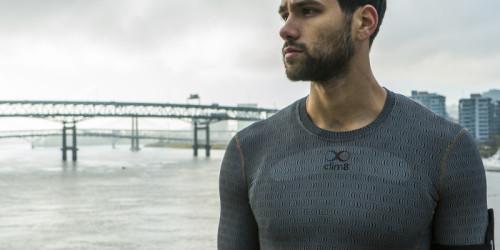 Ein Shirt, das die optimale Temperatur aufrechterhält, egal was man macht, wer es macht und wie das Wetter aussieht. SeiTeil der Revolution von intelligenten Textilien und werde Tester!