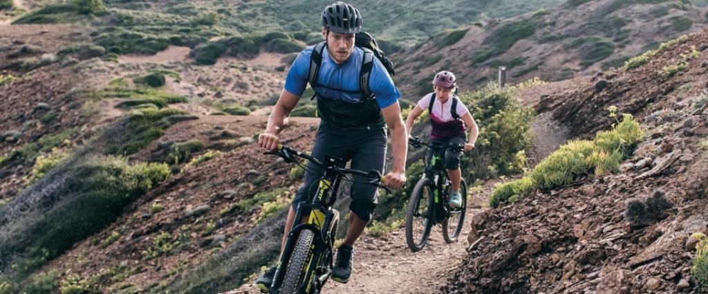 Mach mit bei der neuen Schöffel-Umfrage zum Thema Biken und gewinne einen von 100 hochwertigen Funktions-Scarfs.